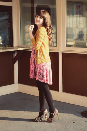 black J Crew tights - pink free people dress - black Forever 21 heels