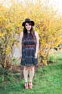 Black-pitaya-dress-black-moorea-seal-hat-tawny-blowfish-shoes-heels