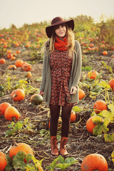 brown modcloth dress - tawny duo boots boots - brown sosie hat