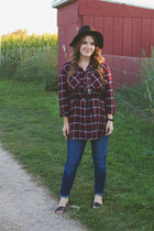 maroon modcloth top - blue Levis jeans - black Moorea Seal hat