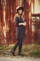 dark khaki Urban Outfitters hat - black shoemint boots