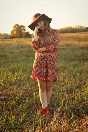 tawny samantha pleet x wolverine 1000 mile boots - tawny sosie dress