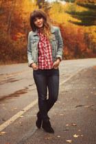 blue American Eagle jeans - black Minnetonka Moccasins boots
