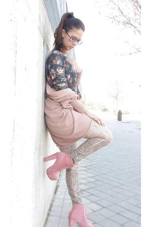 pink maripaz boots - pink Guess jeans - pink Zara cardigan
