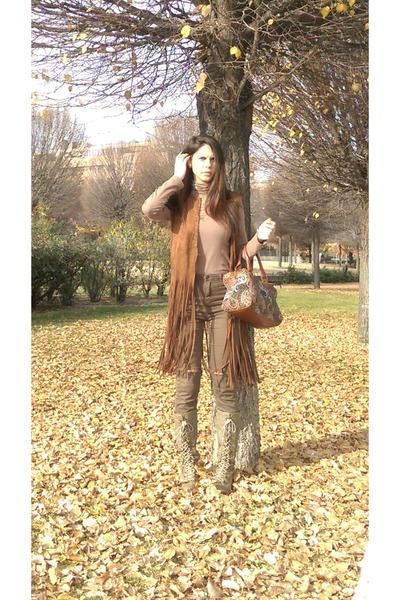 brown maripaz boots - brown Stradivarius bag - brown Bershka pants