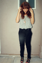 gray shirt - black caged heels shoes - black harem Forever 21 pants