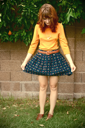 gold necklace - brown Buffalo Exchange shoes - orange Forever 21 sweater