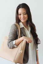 beige leather tote Greg Michaels bag - ivory button front madewell top