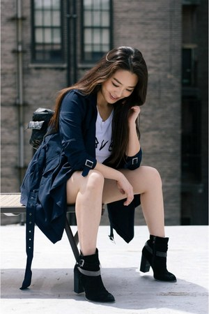 navy light trench Sincerely Sweet Boutique jacket - black Nine West boots