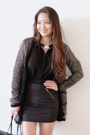 black quilted deb skirt - black striped tote deb bag