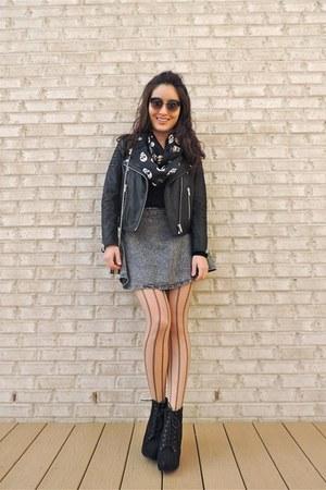 black Shop JuneJuly boots - black skull print Charlotte Russe scarf