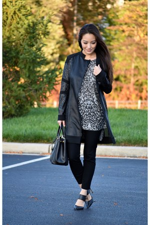 black Donna Degnan jacket - black saffiano Prada bag - black castro heels