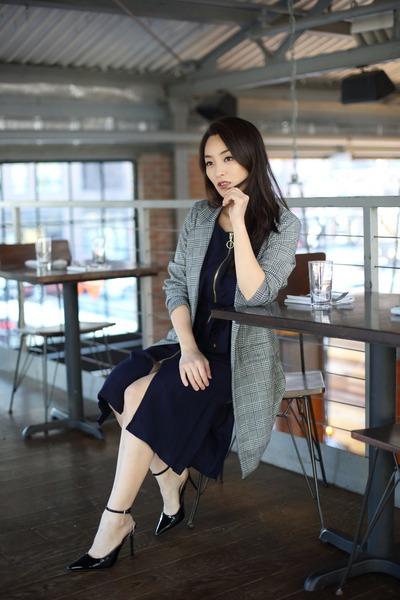 navy zip up Zara dress - gray long asos blazer