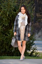 charcoal gray checkered OASAP coat - white checkered Old Navy scarf