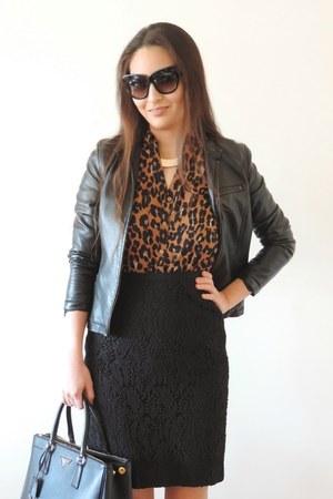 black moto ann taylor jacket - black Prada bag - black lace pencil talbots skirt