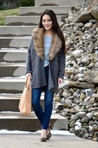 gray cable knit Saks Fifth cardigan - navy skinny Levis jeans