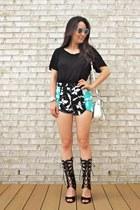 black Kuriel shorts - white LucyMint bag - white C Wonder sunglasses