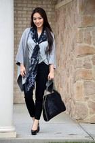 black Stella McCartney bag - heather gray banana republic t-shirt