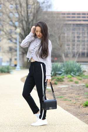 heather gray AmiClubWear top - black track kohls pants