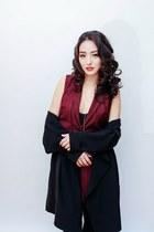 crimson cutout Tobi dress - black Hanes tights