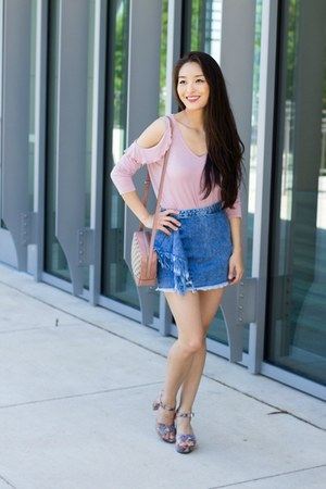blue ruffle mini Zara skirt - bubble gum Almost Famous top