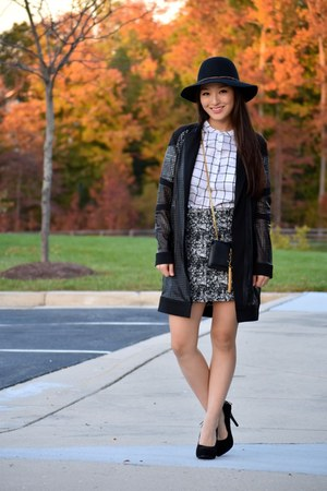 white checkered Old Navy top - black wool Madden Girl hat