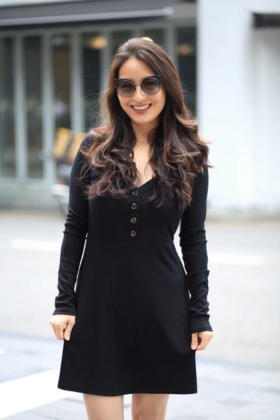 black flare Forever 21 dress