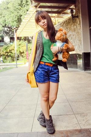 gray sears boots - yellow Glam-Rock Manila bag - blue Pazzo shorts