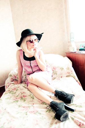 pink Little Turp dress - light brown Little Turp sunglasses