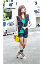 eggshell the WEARhouse boots - yellow Glam Rock Manila bag - black SM GTW vest