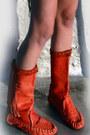 Ruby-red-fringe-vintage-boots-camel-70s-vintage-sweater