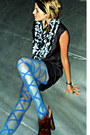 Black-silk-rag-and-bone-dress-blue-urban-outfitters-tights
