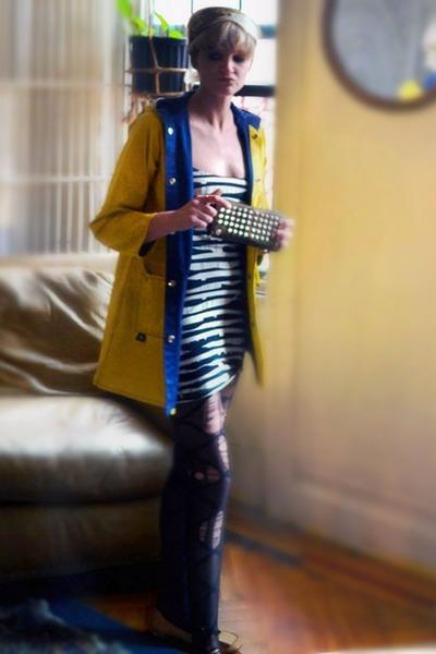 nude kate spade flats - black zebra Monki dress - yellow raincoat vintage jacket