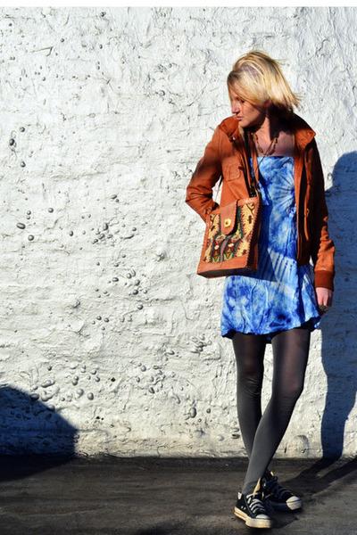 light blue tie dye vintage dress - tawny leather Charlotte Ronson jacket