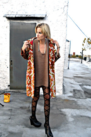 crimson woven vintage coat - heather gray knit Love Stitch dress