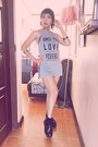 Black-creeoers-shoes-blue-hot-kiss-shorts-silver-choker-forever21-necklace
