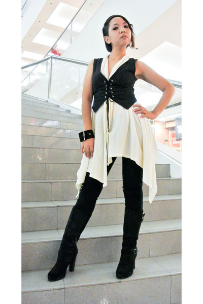 black Pulp boots - black Terranova jeans - black YRYS vest