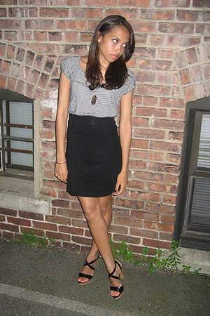 American Apparel skirt - Urban Outfitters t-shirt - Nine West shoes - Alex  Chlo