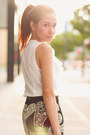 Black-pencil-blanc-et-noir-skirt-beige-striped-sm-accessories-bracelet