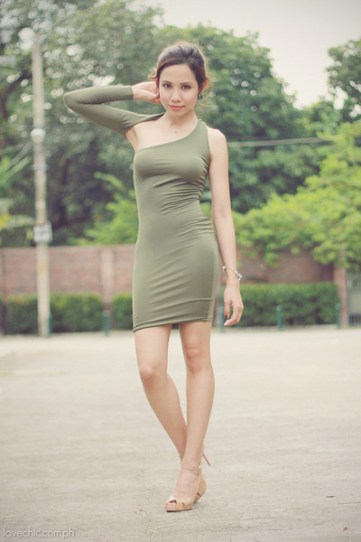 olive green Shop Enna dress - nude peep-toe Janylin heels