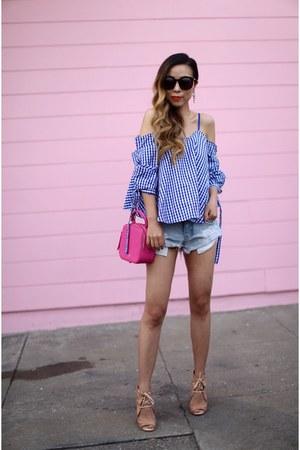 Top top - Bag bag - shorts shorts - sunglasses sunglasses - sandals wedges