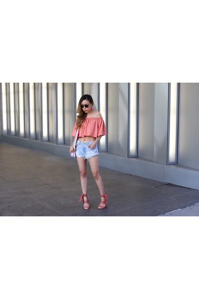 Bag bag - less than 100 shorts shorts - sunglasses sunglasses