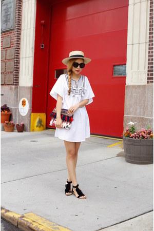 tunic top - hat hat - Bag bag - sunglasses sunglasses - Shoes sandals