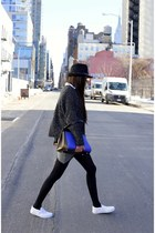 hat hat - Sweater sweater - Bag bag - Skirt skirt - sneaker sneakers - ring ring