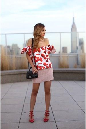 Bag bag - necklace necklace - heels heels - Top top - Skirt skirt