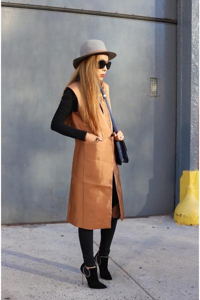 vest vest - boots boots - Jeans jeans - hat hat - Bag bag