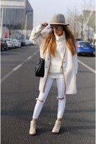 coat coat - boots boots - on sale hat hat - Sweater sweater - Bag bag