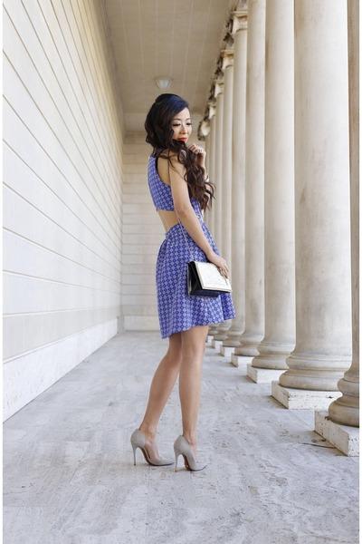 ring ring - ring ring - Dress dress - Bag bag - necklace necklace - heels heels