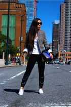 Blazer blazer - Bag bag - sunglasses sunglasses - Watch watch - Slip-on flats