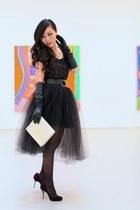 Skirt skirt - Bag bag - Shoes heels - Top top - gloves gloves